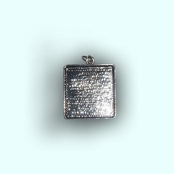 Metal Square pendant 25 x 25